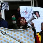 Migrantes protestaron en el Hospital Félix Bulnes por muerte de Rebeka Pierre