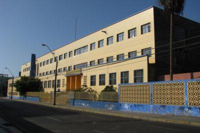 Estudiante de octavo básico es apuñalado a la salida de colegio en Antofagasta