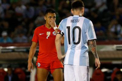 """Estudio ubicó a Alexis en el top ten de """"clones"""" de Lionel Messi"""