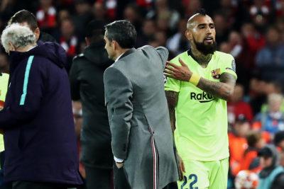 Hinchas de Barcelona no perdonan a Valverde por cambio de Vidal ante Liverpool