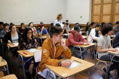 Estudio proyecta que al 2025 faltarán 32 mil profesores idóneos en Chile