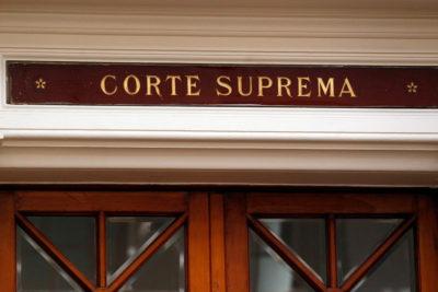 Corte Suprema ordena reintegrar personal a contrata desvinculado por el Gobierno