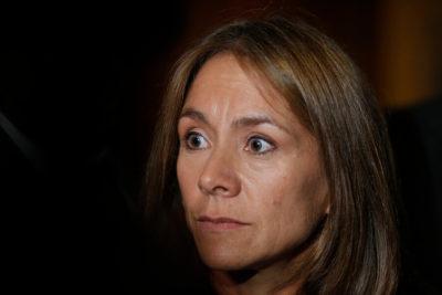 """Medidores: oposición llama al gobierno a derogar la ley tras """"abuso de eléctricas"""""""