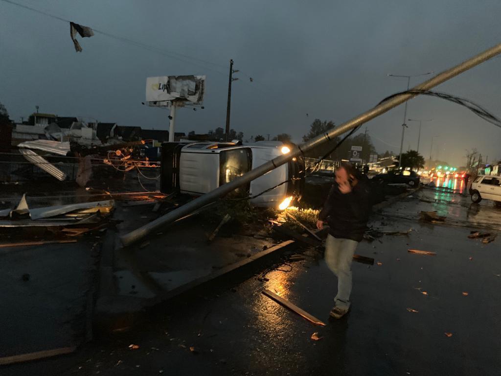 """""""FOTOS VIDEOS   Inédito tornado se registra en Los Angeles, región del Biobío"""""""