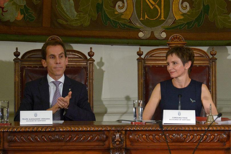 """Carolina Tohá le da a Alessandri por Instituto Nacional: """"Dos años en el cargo y sigue culpando a la gestión anterior"""""""