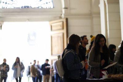 El top ten de las carreras universitarias más caras de Chile y su porcentaje de empleabilidad