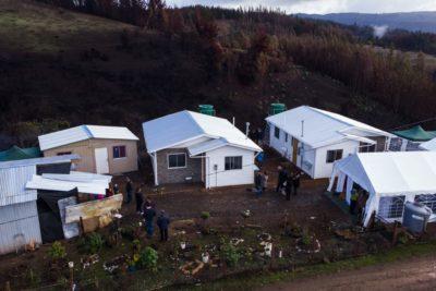 Entregan primeras casas a damnificados por incendios forestales de La Araucanía