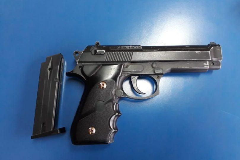 Alumno de 7° Básico ingresó con un arma a un colegio municipal de Las Condes