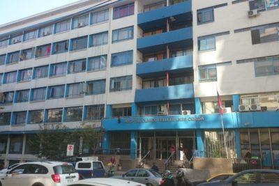 Investigan posible negligencia por muerte de mujer embarazada en paradero de Transantiago