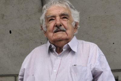 """Pepe Mujica se opone a llevar """"100 mil cagadores argentinos"""" a Uruguay"""