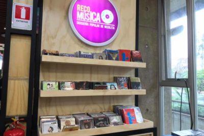 Ni trap ni reggeatón: por qué Recoleta se niega a vender música urbana en Disquería Popular