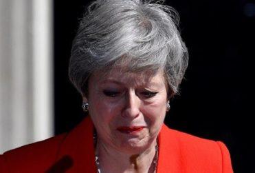 """Unión Europea afirmó que renuncia de Theresa May """"no cambia en nada"""" su posición sobre el brexit"""