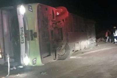Volcamiento de Turbus dejó a cuatro personas lesionadas de gravedad en Tocopilla