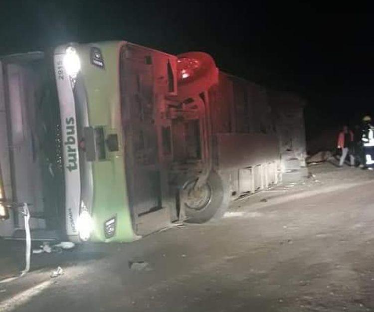 """""""Volcamiento de Turbus dejó a cuatro personas lesionadas de gravedad en Tocopilla"""""""
