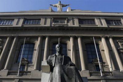 """Movilh envía carta al rector Sánchez: """"Dichos de la UC son insensibles y para nada pedagógicos"""""""