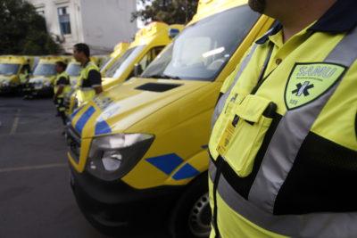 Trabajadores del SAMU en paro tienen a Santiago con solo 9 ambulancias operativas