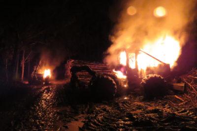 Nuevo atentado incendiario contra maquinaria forestal en La Araucanía