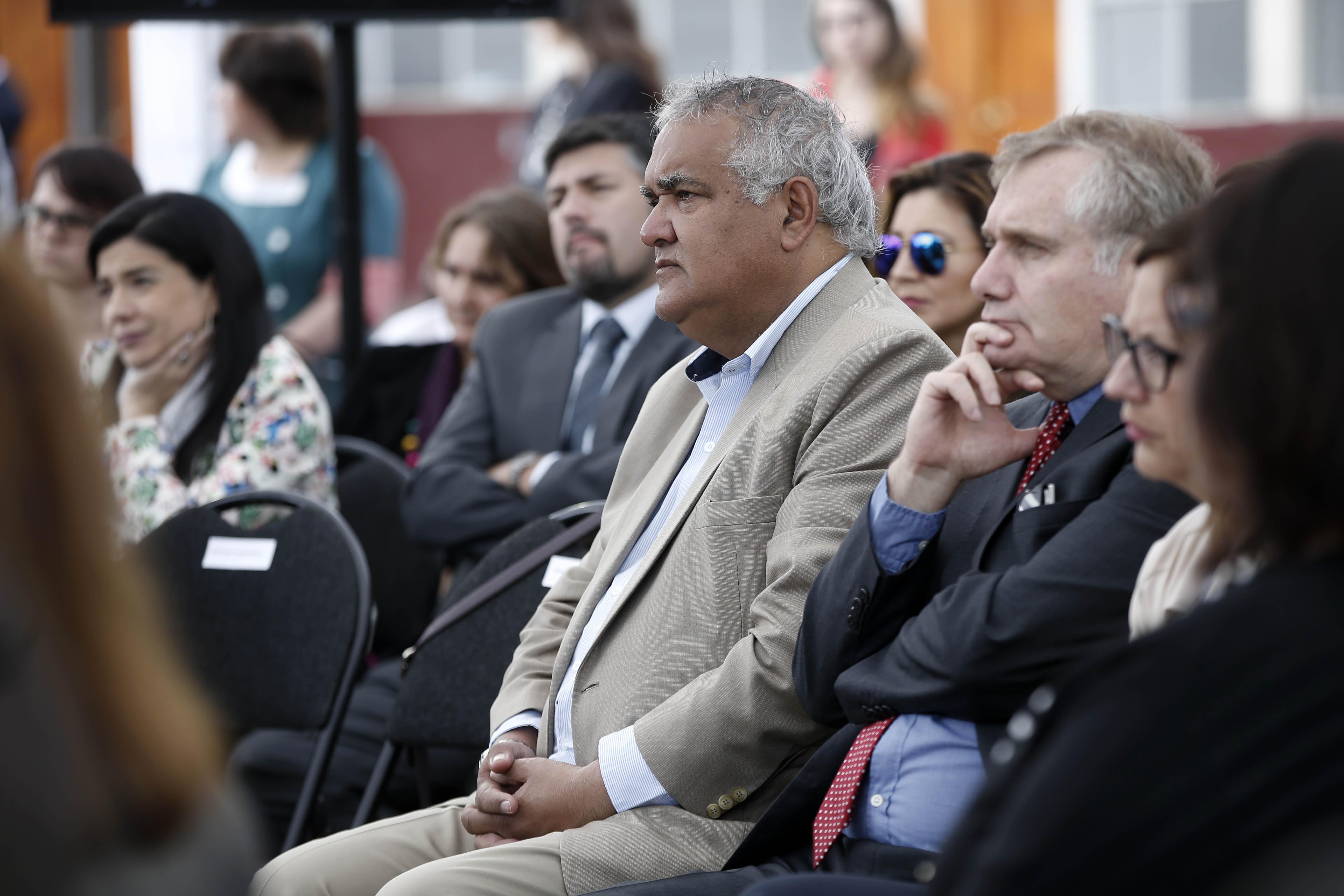 Alcalde de Lo Espejo es acusado de encubrir violación a funcionario municipal con discapacidad mental