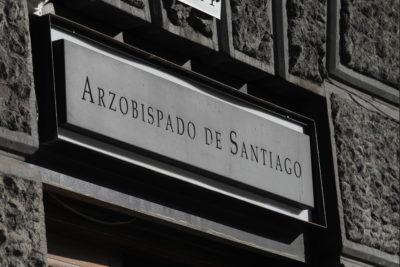 Duró 25 días: Papa Francisco aceptó renuncia del obispo auxiliar de Santiago