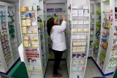 Fonasa licitará 2 mil medicamentos para rebajar su costo en farmacias