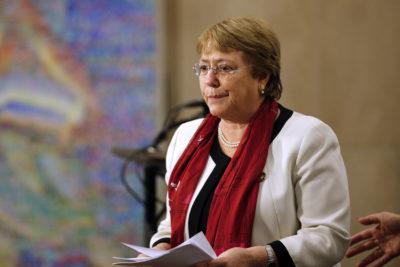 """HRW afirma que viaje de Bachelet a Venezuela fue """"ideal para una tiranía"""""""