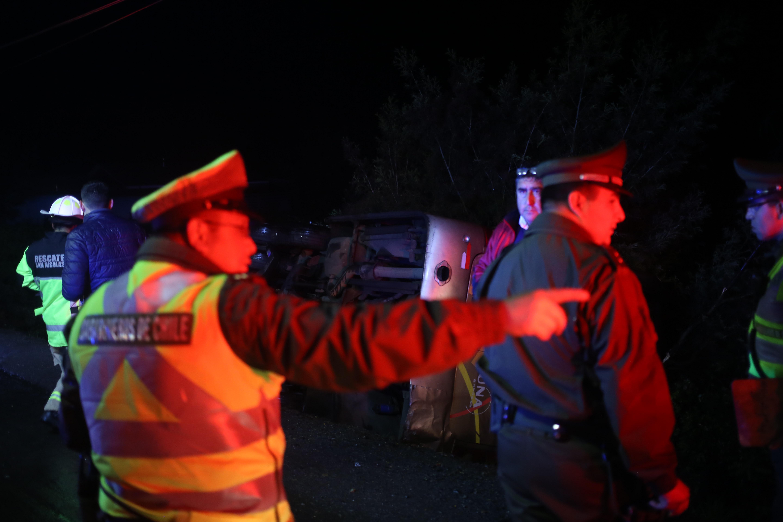 """""""Seis muertos al volcar bus que trasladaba a trabajadores de minera Collahuasi"""""""