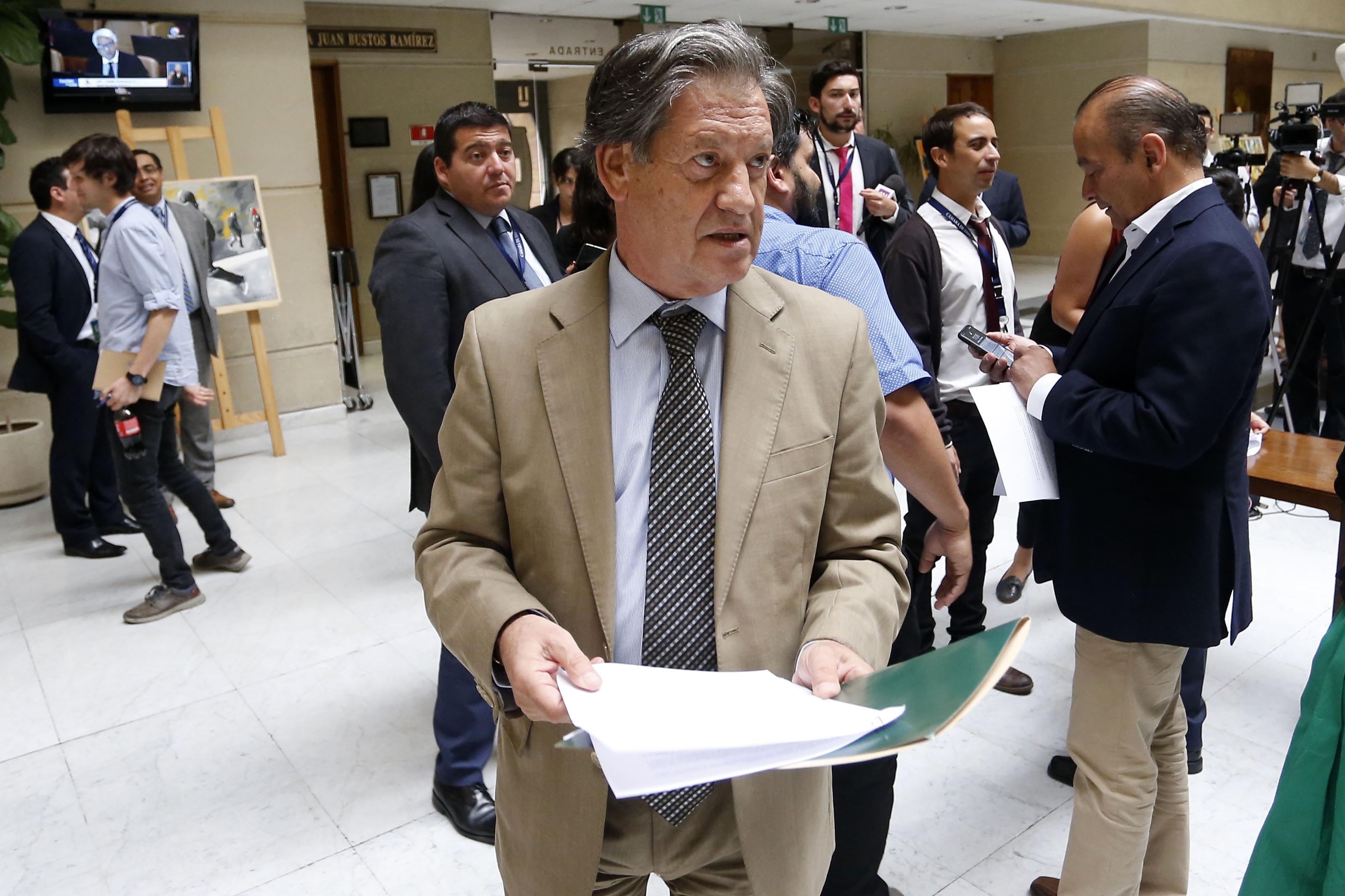 """""""Lorenzini apuesta por ley corta para destrabar reforma tributaria del Gobierno"""""""