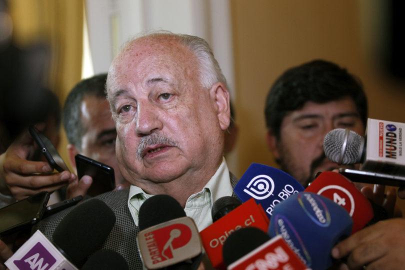 """""""Una propuesta antidemocrática"""": así reaccionó Guillermo Teillier a la reducción de parlamentarios que anunció Piñera en la Cuenta Pública"""