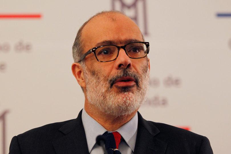 """Ex ministro Rodrigo Valdés le pone nota 4 al Gobierno: """"Hay una falta de política macroeconómica"""""""
