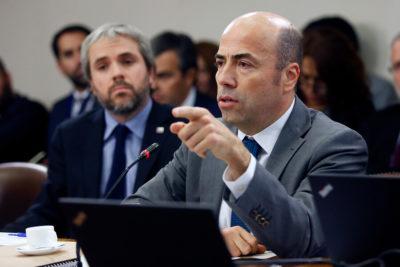 Bermúdez asistirá a comisiones de Constitución y Gobierno por despidos en Contraloría