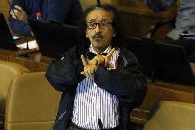 FOTO |Florcita style: diputado Alarcón sorprendió con particular atuendo en la Cuenta Pública