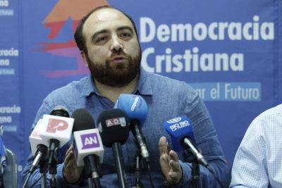 """DC retoma campaña para sacar a Luis Castillo del Minsal tras arribo de Mañalich: """"Es una piedra en el zapato"""""""