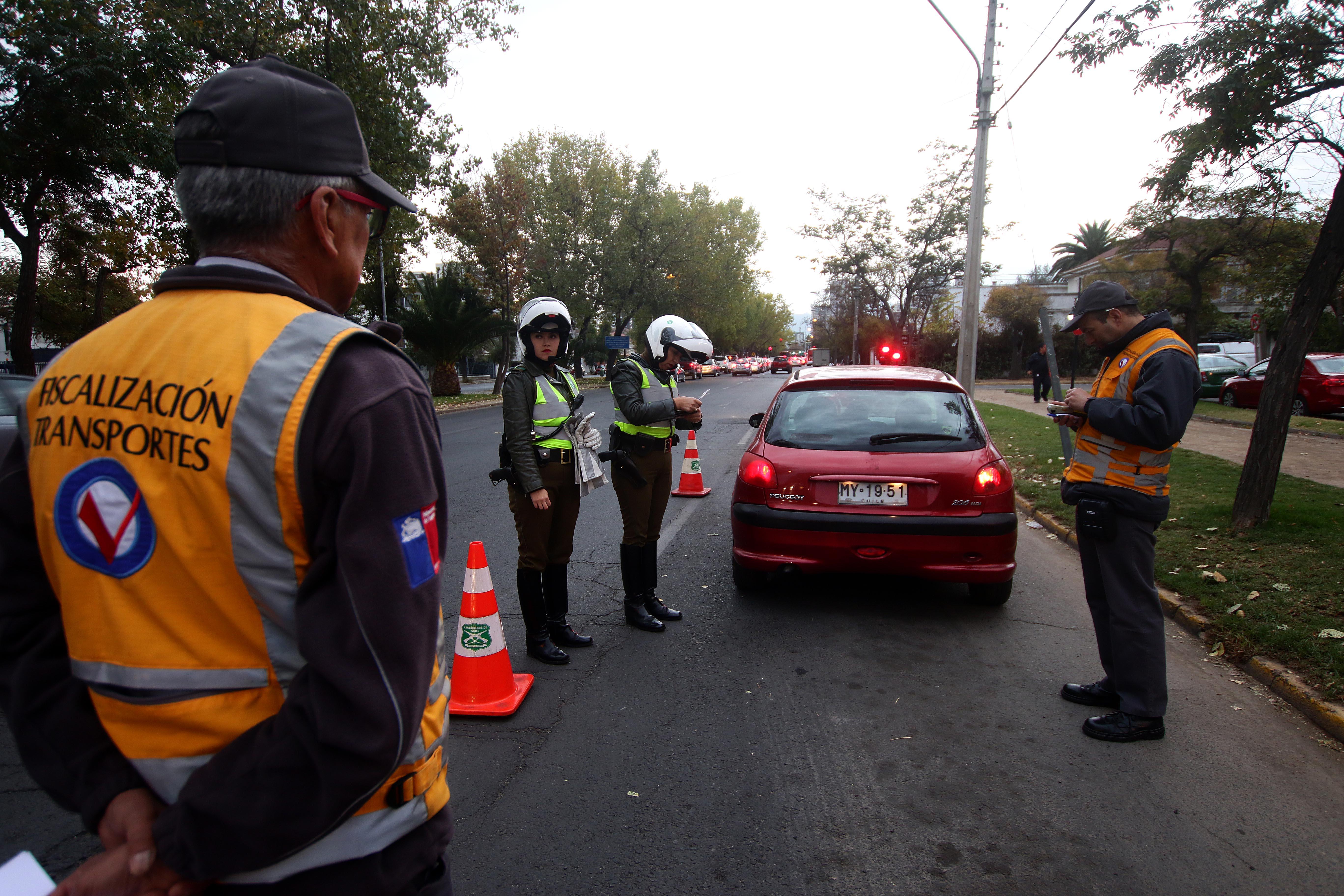 La mayoría empadronados: 24.000 partes en primer mes de restricción vehicular