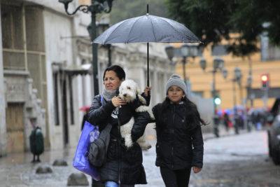 Intendencia declara Alerta Temprana por precipitaciones y vientos de hasta 70 kms/hr en la Región Metropolitana