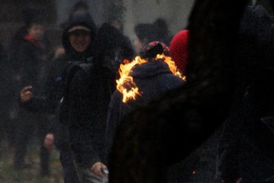 """""""No te queremos ver más"""": fotógrafo es amenazado por cubrir marcha del Colegio de Profesores"""
