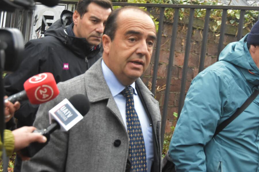 """Caburgua: abogado de Piñera entregó los descargos a juez de Pucón"""