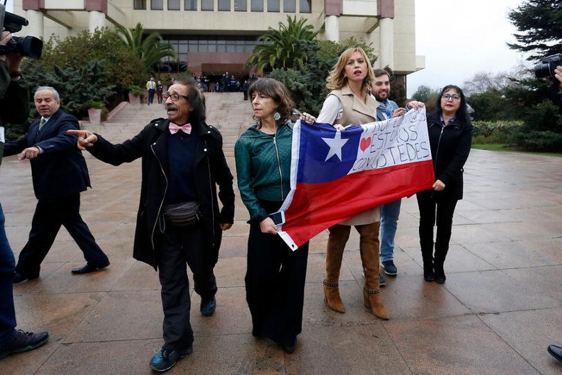 Diputados salieron del Congreso para sumarse a la marcha de los profesores en Valparaíso