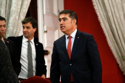 """Mario Desbordes llama a la UDI """" a no inventar una pelea artificial"""" por cambio de gabinete"""