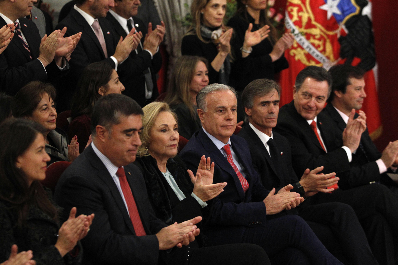 A días del cambio de gabinete: Piñera reubicó a ex ministros Ampuerto y Jiménez