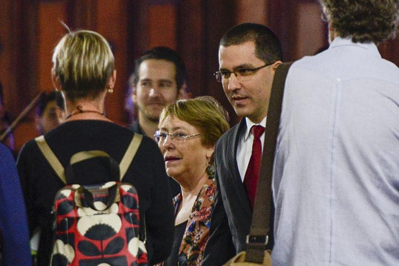 Michelle Bachelet se reunió con canciller de Maduro en medio de fuertes medidas de seguridad