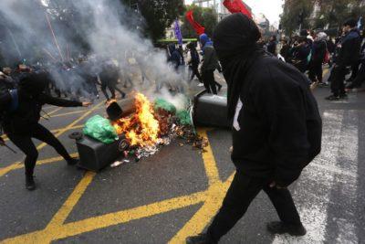 Con incidentes en las cercanías de la Usach finalizó marcha de estudiantil