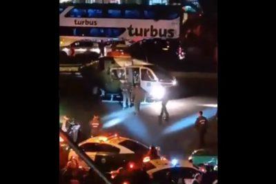 Helicóptero aterrizó en plena Alameda para rescatar a carabineros heridos en violento choque con bus