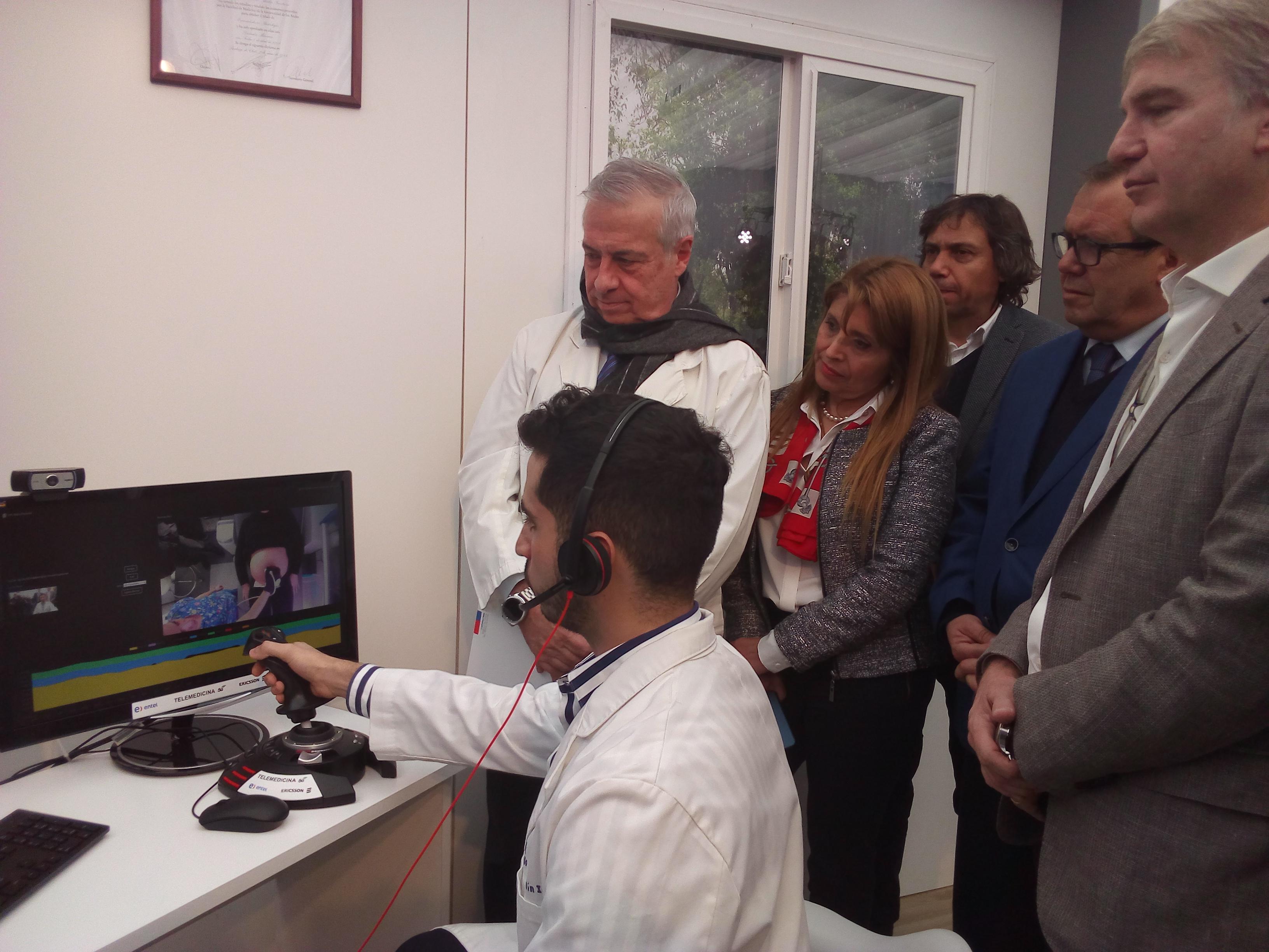 """""""Telemedicina: se realiza la primera ecografía a distancia sobre red 5G en Chile"""""""