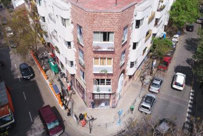 FOTO | Polémica por borrado de icónico mural del barrio Lastarria