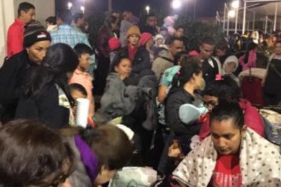 """Chadwick y masiva presencia de migrantes en Chacalluta: """"Ingresan a Chile quienes cumplan los requisitos legales"""""""