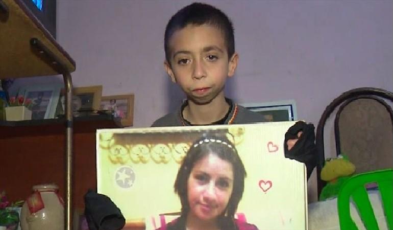 VIDEO   Niño ofrece sus ahorros para recuperar teléfono con fotos de su madre fallecida