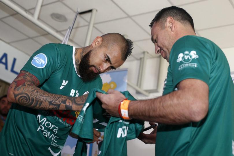 VIDEO | Vidal compartió con el club Rodelindo Román antes de unirse a la Copa América
