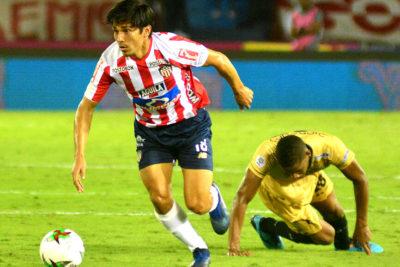 DT de Junior dejó a Matías Fernández fuera de los cupos extranjeros