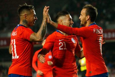 La Selección Chilena vuelve a los abrazos y las risas en su despedida rumbo a Copa América