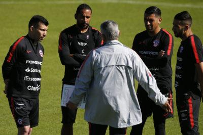 Rueda pensaría en una tradicional defensa para el debut en Copa América ante Japón